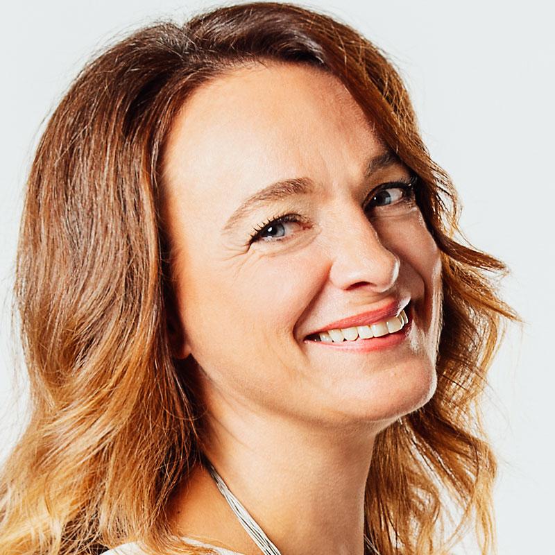 Francesca Trevisi è esperta di coaching mentale e Public Speak Coach presso Ekis: se stai cercando un mental coach sei nel posto giusto per scoprire come migliorare la concentrazione e migliorare la propria vita.