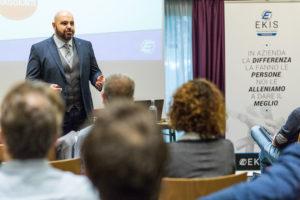 Business Coach presso Ekis: la formazione aziendale. Come migliorare i propri risultati, migliorare la concentrazione e migliorare la propria vita