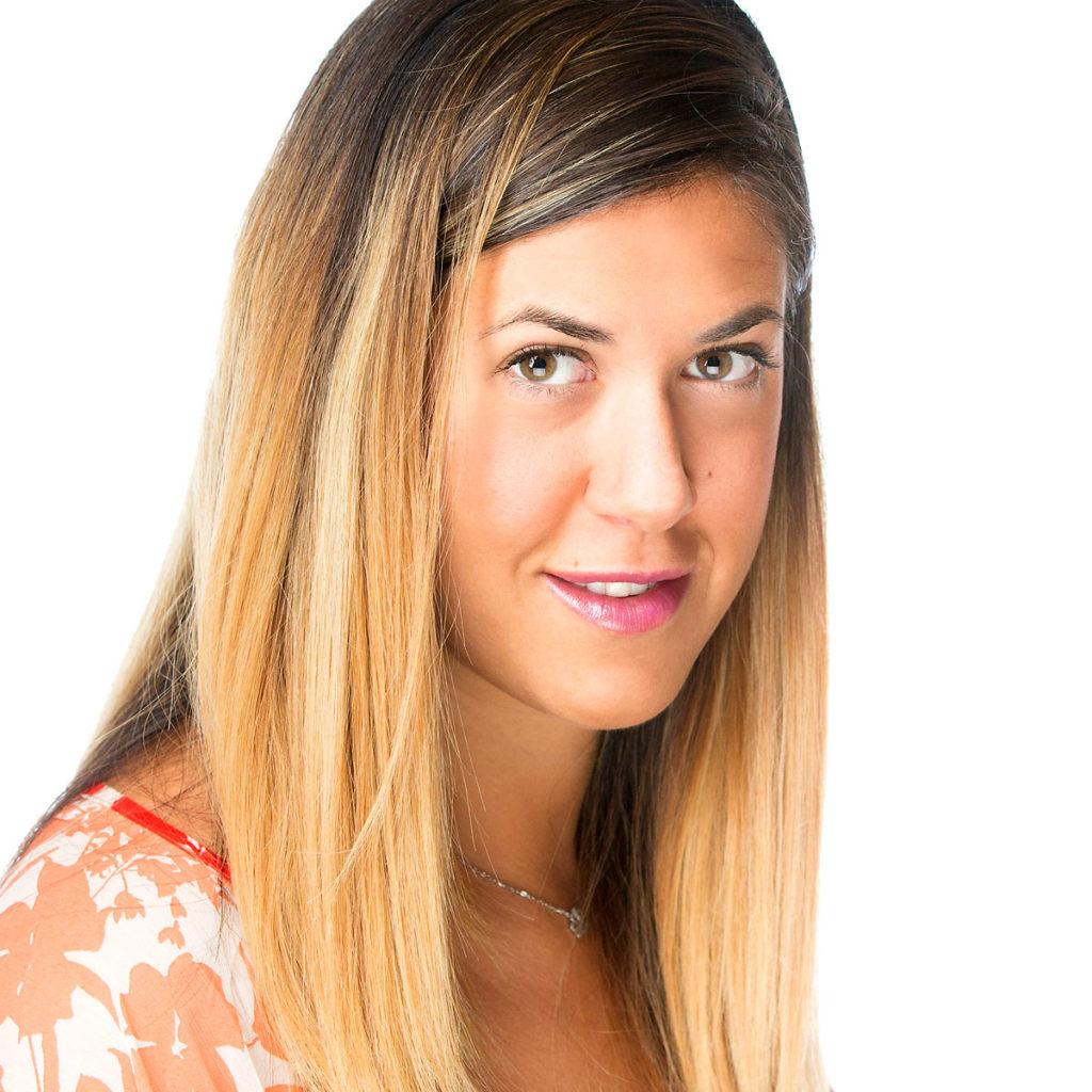 Federica Gravante è esperta di coaching mentale presso Ekis: se stai cercando un mental coach sei nel posto giusto per scoprire come migliorare la concentrazione e migliorare la propria vita.