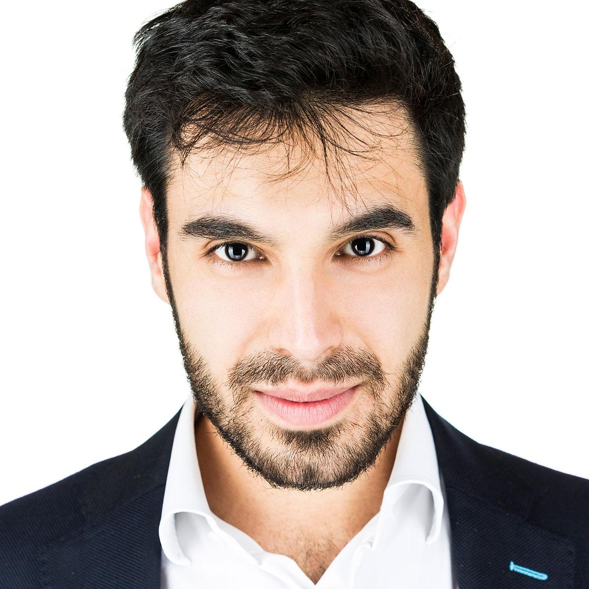 Emiliano Flisi è Business Coach e Life Coach presso Ekis: se stai cercando un mental coach sei nel posto giusto per scoprire come migliorare la concentrazione e come migliorare la propria vita.
