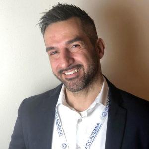 Alexander Oca è Dental Business Coach presso Ekis: se stai cercando un mental coach sei nel posto giusto per scoprire come migliorare la concentrazione e migliorare la propria vita.