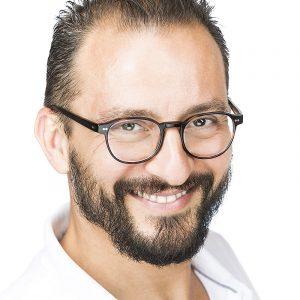 Alessandro Mora è Mental Coach e Socio Ekis: la prima scuola di Coaching ita liana. Come diventare Life Coach, Mental Coaching Sportivo, Business Coach. Come Migliorare autostima e come gliorare in generale la propria vita.